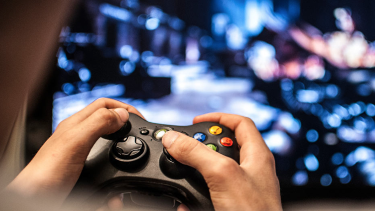 Why You Need to Take the Chance to play in Online Game